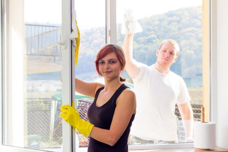 cleaning window frames