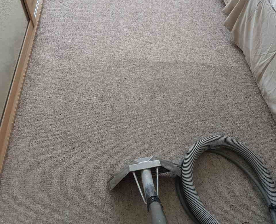 professional house cleaning EC4